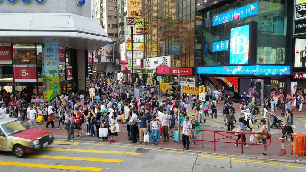 Standard amount of pedestrians at Causeway Bay shopping area.